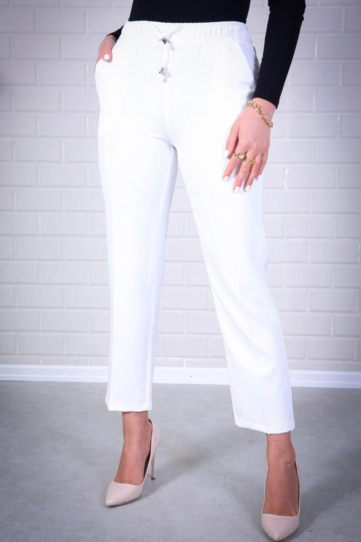 Kadın Beyaz Lastikli Havuç Pantolon - Me000311