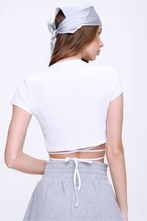 Trend Alaçatı Stili Kadın Beyaz Bisiklet Yaka Bağcıklı Crop Fit T-Shirt ALC-X6042 3