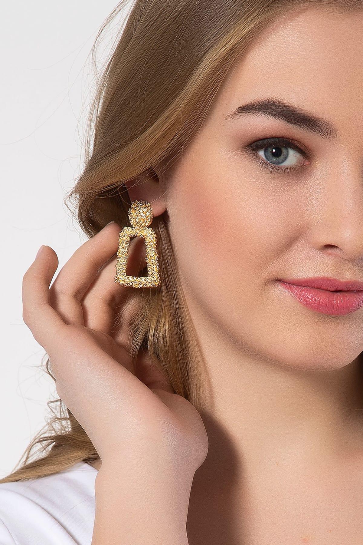 Kadın Altın Sarısı Kare Küpe UKP9498