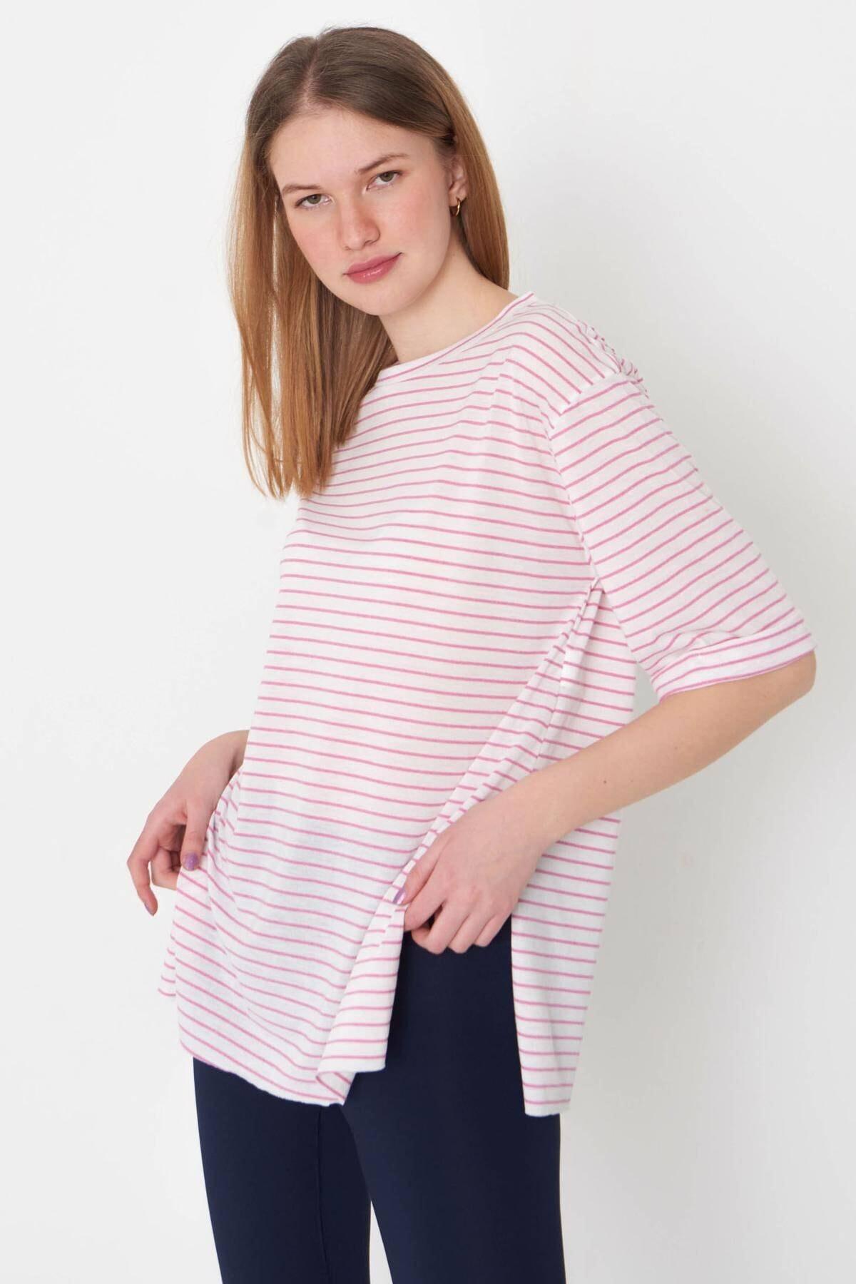 Addax Kadın Pembe Çizgili T-Shirt P6687 - S13 Adx-0000023923