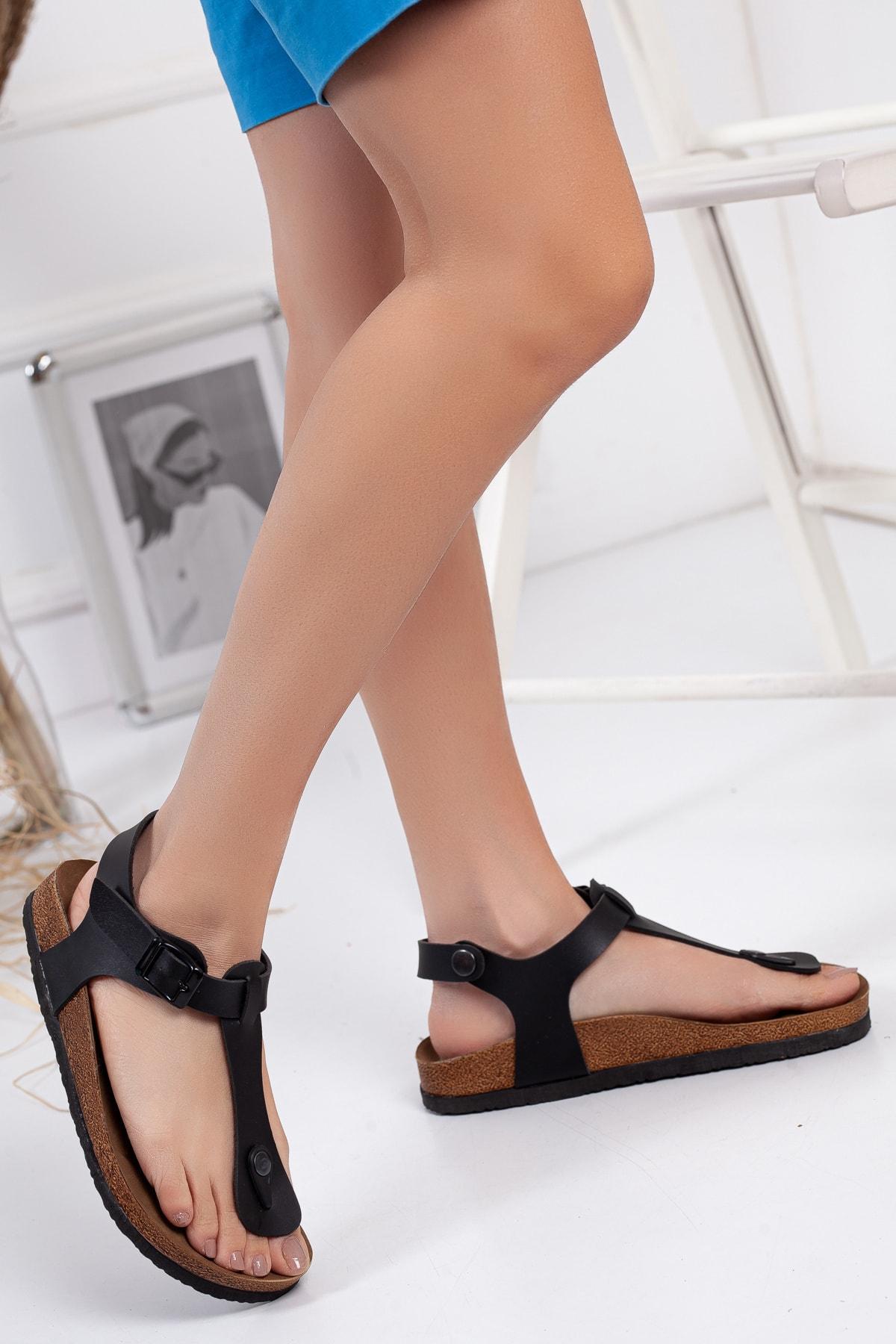 Kadın Siyah Klasik Sandalet