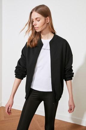 TRENDYOLMİLLA Siyah Şardonlu Sırt Baskılı Örme Sweatshirt TWOAW21SW1924 1