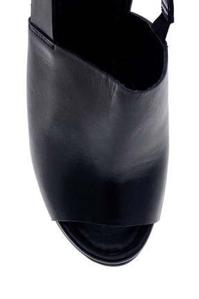 Derimod Kadın Siyah Deri Dolgu Topuk Sandalet 4