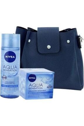 Nivea Canlandırıcı Bakım Seti Çanta Hediyeli Aqua Yüz Temizleyici Jeli 200 ml + Bakım Kremi 50ml 1