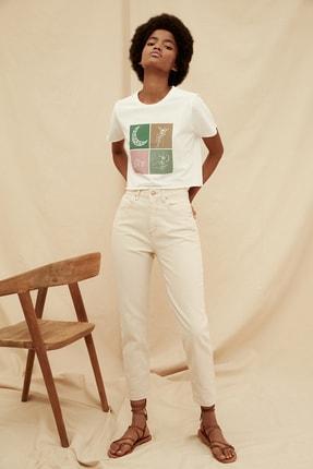 TRENDYOLMİLLA Ekru Yüksek Bel %100 Organik Pamuk Mom Jeans TWOSS21JE0302 0
