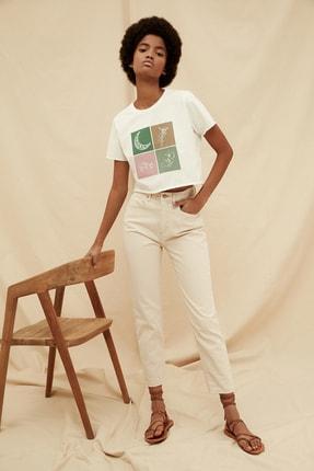 TRENDYOLMİLLA Ekru Yüksek Bel %100 Organik Pamuk Mom Jeans TWOSS21JE0302 1