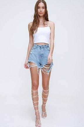 Trend Alaçatı Stili Kadın Beyaz İp Askılı Crop Fit Bluz ALC-X6041 1