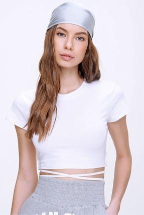 Trend Alaçatı Stili Kadın Beyaz Bisiklet Yaka Bağcıklı Crop Fit T-Shirt ALC-X6042 1