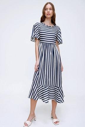 Trend Alaçatı Stili Kadın Ekru Çizgili Etek Ucu Volanlı Dokuma Elbise ALC-X6051 3