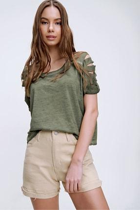 Trend Alaçatı Stili Kadın Haki Kolları Lazer Kesimli Yıkamalı T-Shirt MDA-1122 1
