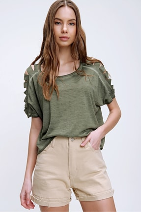 Trend Alaçatı Stili Kadın Haki Kolları Lazer Kesimli Yıkamalı T-Shirt MDA-1122 4