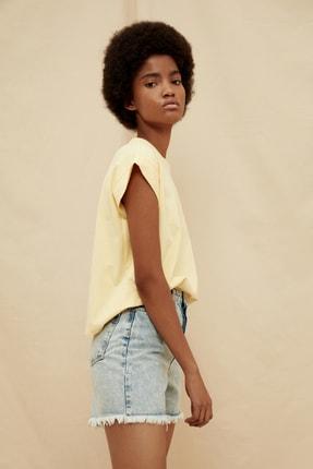 TRENDYOLMİLLA Sarı %100 Organik Pamuk Örme T-Shirt TWOSS21TS1427 1