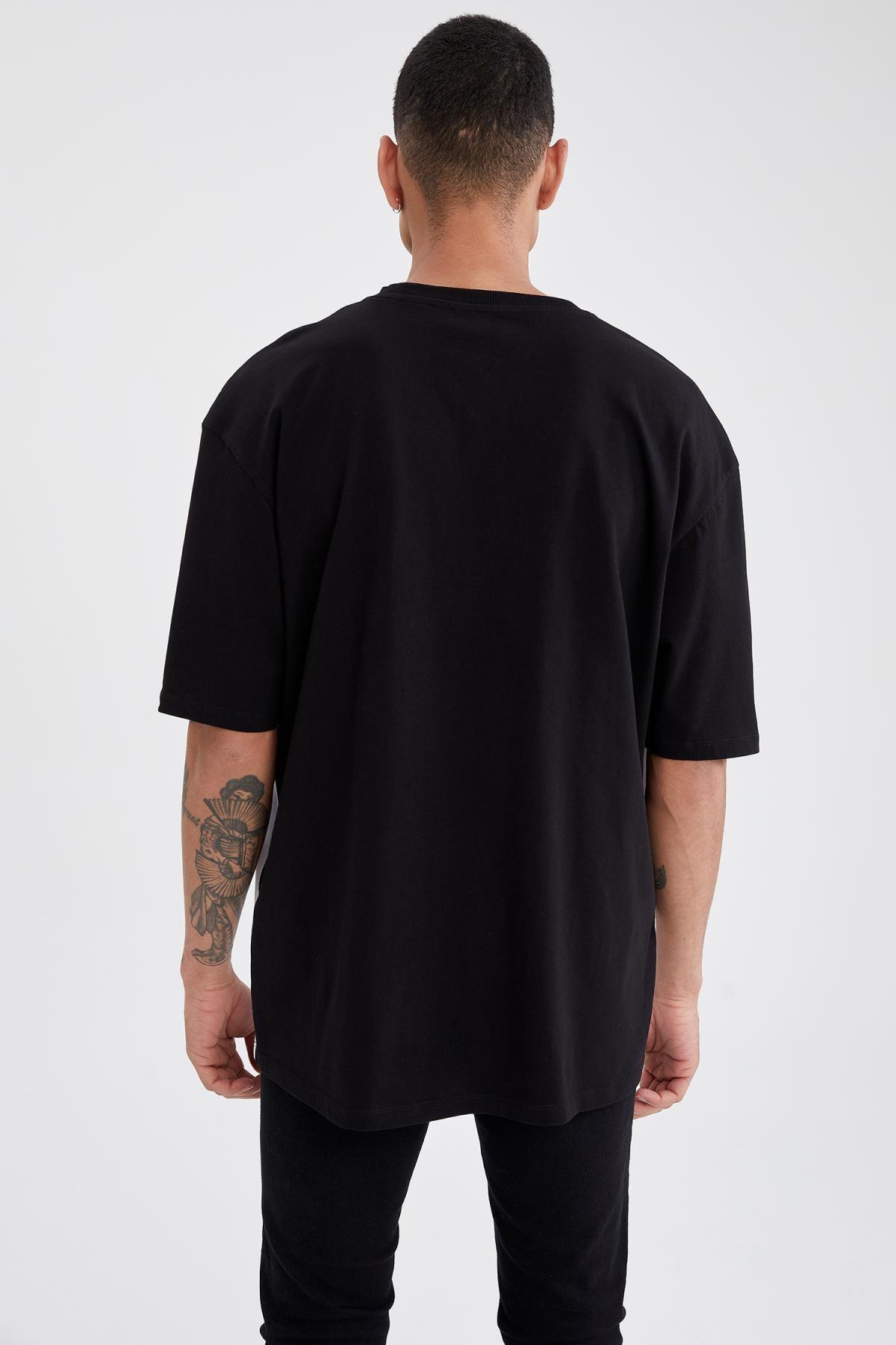 Defacto Erkek Siyah Oversize Fit Baskılı Kısa Kollu Tişört 3
