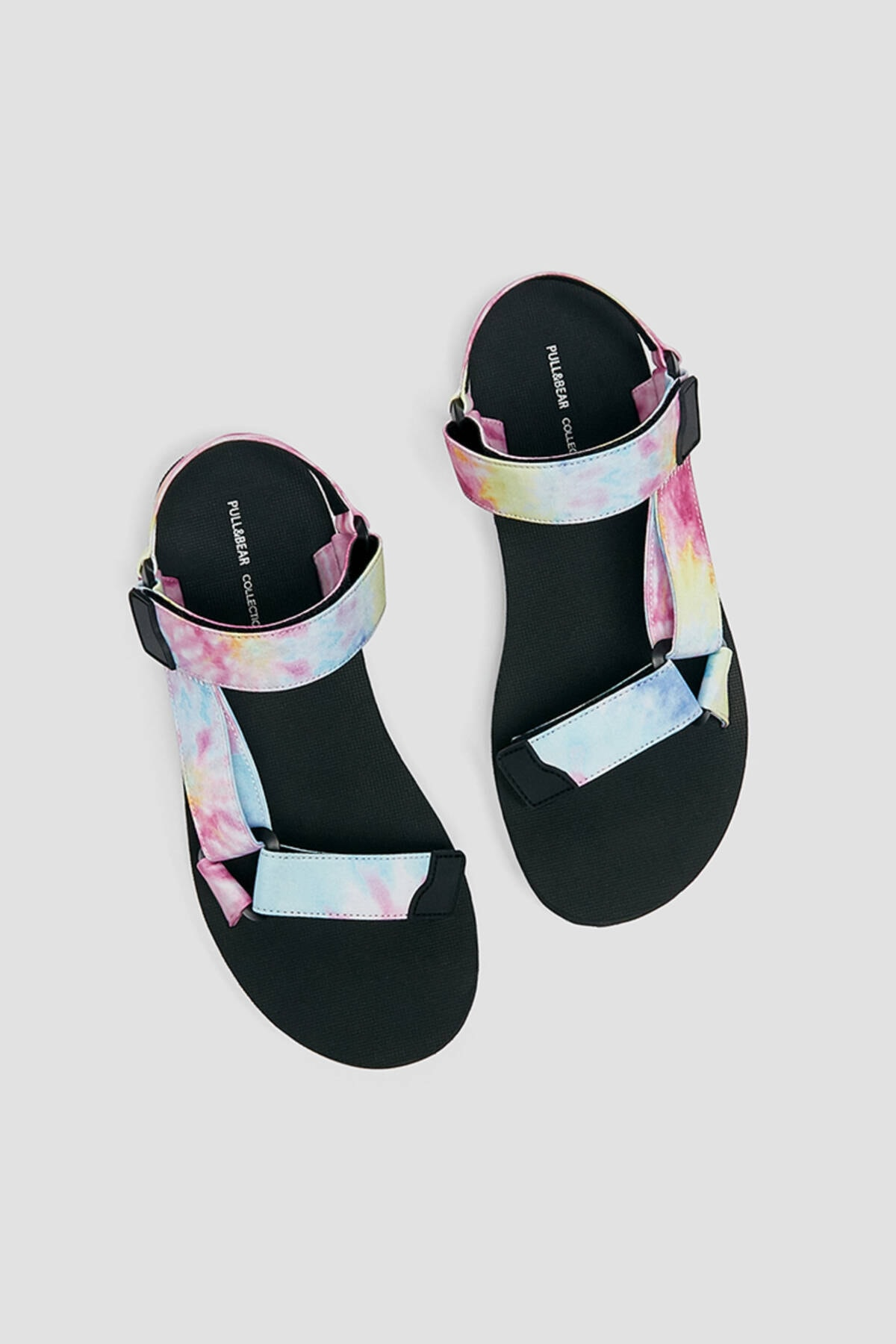 Pull & Bear Kadın Renkli Düz Bantlı Ve Tokalı Batik Desenli Sandalet 11704740 4
