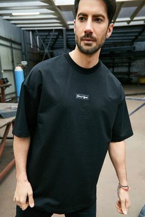 Sateen Men Erkek Siyah Yazı Baskılı T-Shirt 1