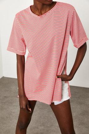 Xena Kadın Kırmızı Çizgili Yırtmaçlı Oversize T-Shirt 1KZK1-11638-04 3