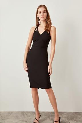 TRENDYOLMİLLA Siyah Yaka Detaylı  Elbise TPRAW19FZ0018 1