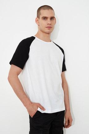 TRENDYOL MAN Beyaz Erkek Regular Fit T-Shirt TMNSS21TS0820 1