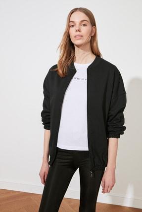 TRENDYOLMİLLA Siyah Şardonlu Sırt Baskılı Örme Sweatshirt TWOAW21SW1924 2