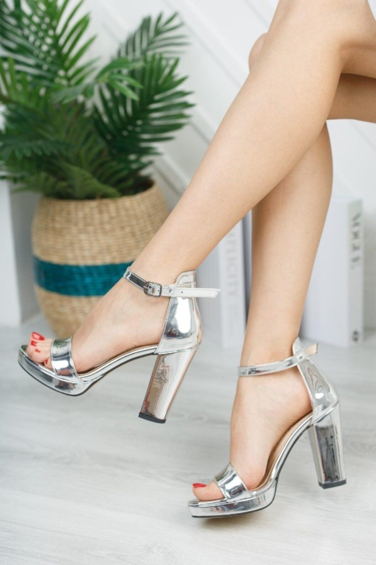 Kadın Gümüş Zenne Tek Bant Platform Ayakkabı