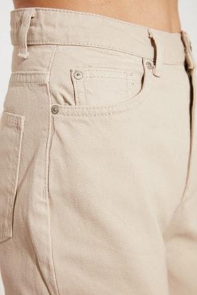 TRENDYOLMİLLA Taş Yüksek Bel Mom Jeans TWOSS21JE0439 2