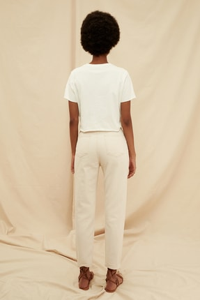 TRENDYOLMİLLA Ekru Yüksek Bel %100 Organik Pamuk Mom Jeans TWOSS21JE0302 4