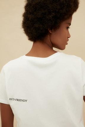 TRENDYOLMİLLA Beyaz %100 Organik Pamuk Ön ve Sırt Baskılı Crop Örme T-Shirt TWOSS21TS1420 1