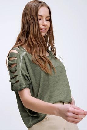 Trend Alaçatı Stili Kadın Haki Kolları Lazer Kesimli Yıkamalı T-Shirt MDA-1122 3