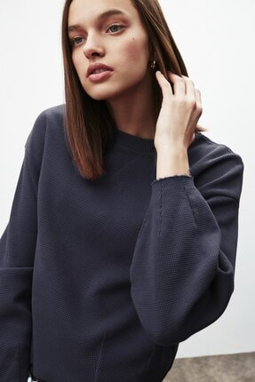 GRIMELANGE LIV Kadın Lacivert Yuvarlak Yaka Düşük Omuz Sweatshirt 3