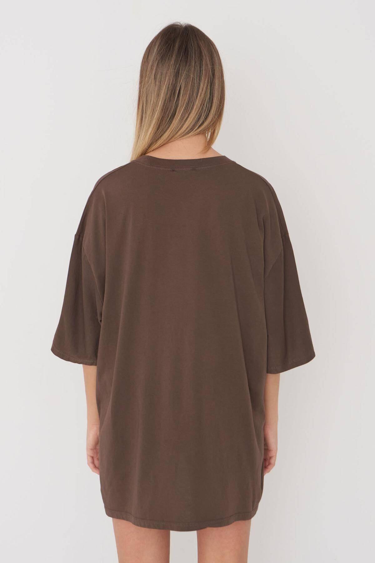 Addax Kadın Kahve Baskılı Oversize T-Shirt P9546 - B5 Adx-0000023996 4