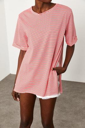 Xena Kadın Kırmızı Çizgili Yırtmaçlı Oversize T-Shirt 1KZK1-11638-04 2