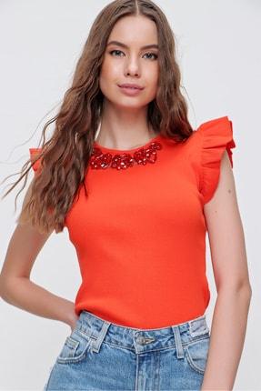 Trend Alaçatı Stili Kadın Turuncu Metal Aksesuarlı Kolu Fırfırlı Kaşkorse Bluz ALC-X5978 3