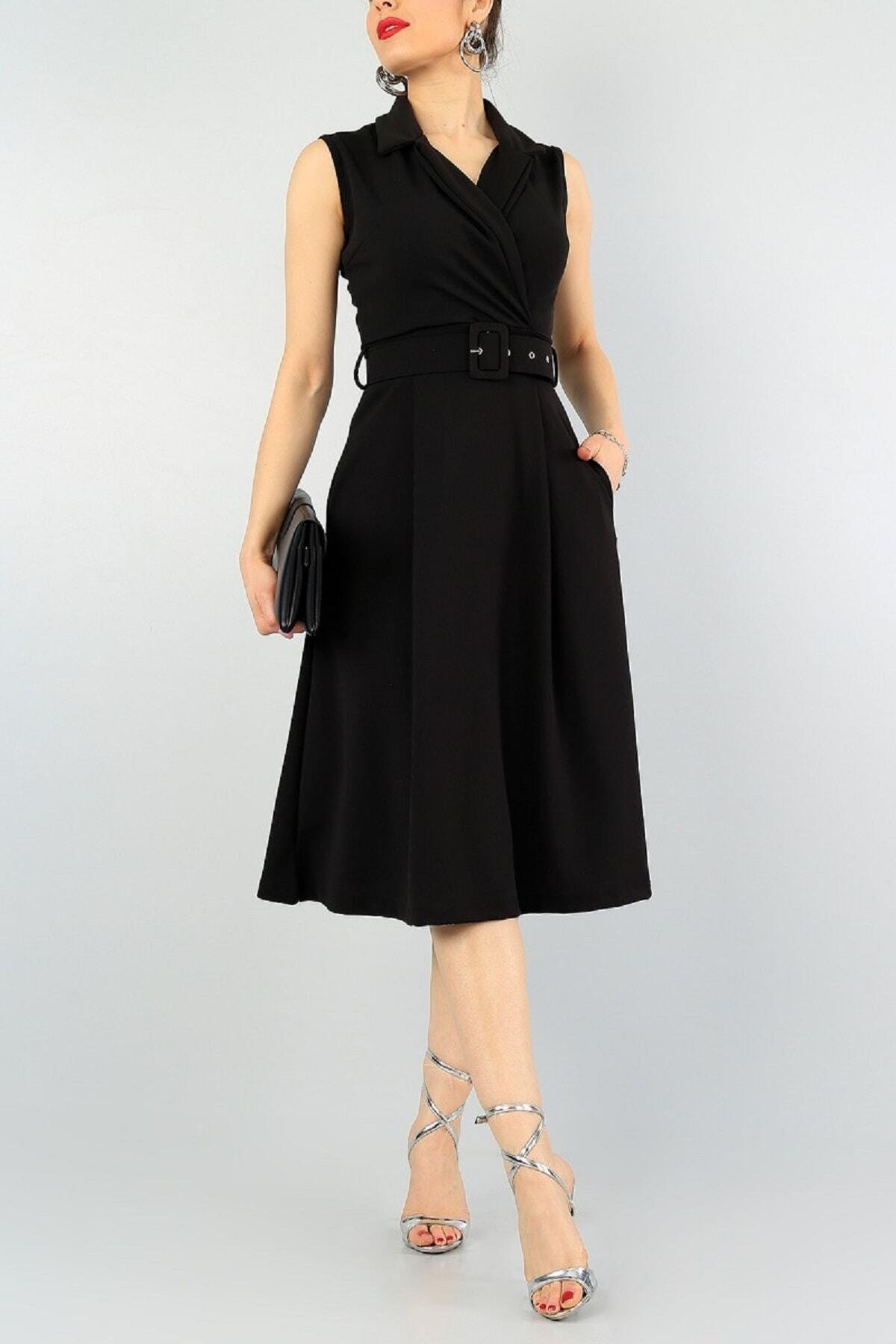 Esnek Kumaş Kruvaze Yaka Kemer Detaylı Pileli Dizaltı Siyah Abiye Elbise 59434