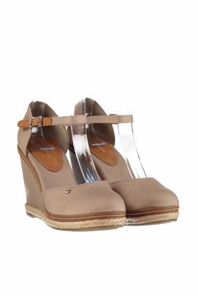 Tommy Hilfiger Kadın iconic Basic Closed Toe Wedge Dolgu Topuklu Ayakkabı FW0FW02791 1