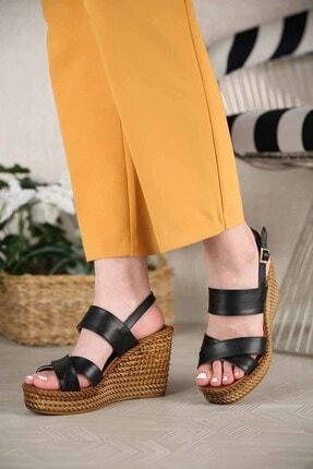 Ccway Kadın Siyah Cilt Çapraz Bantlı Dolgu Topuklu Sandalet 1