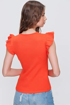 Trend Alaçatı Stili Kadın Turuncu Metal Aksesuarlı Kolu Fırfırlı Kaşkorse Bluz ALC-X5978 4