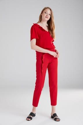 Kadın Kırmızı Kemeri Volanlı Pantolon resmi