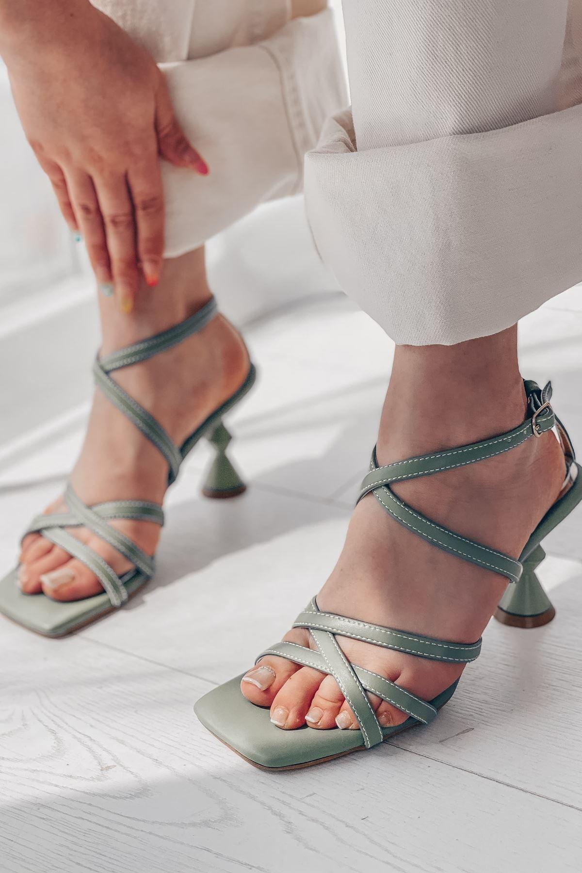 I Love Shoes Talena Mat Deri Bilekten Bağlama Detaylı Yüksek Topuklu Ayakkabı Mint Yeşili