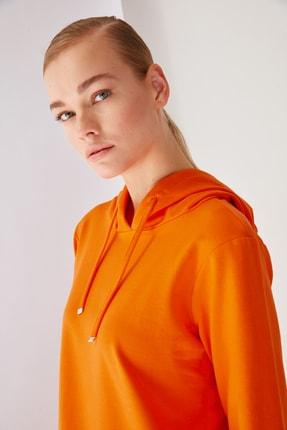 Trendyol Modest Turuncu Kapüşonlu Örme Sweatshirt TCTSS21SW0379 2
