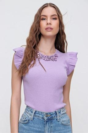 Trend Alaçatı Stili Kadın Lila Metal Aksesuarlı Kolu Fırfırlı Kaşkorse Bluz ALC-X5978 2