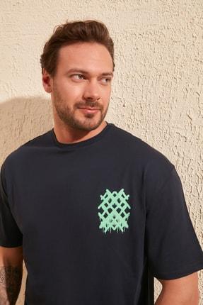 TRENDYOL MAN Lacivert Erkek Sırt Baskılı Geniş Kesim T-Shirt TMNSS20TS1036 3