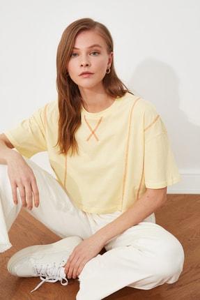 TRENDYOLMİLLA Sarı Loose Crop Örme T-Shirt TWOSS21TS2690 1