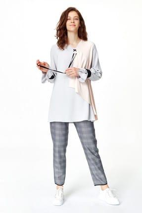 Mizalle Kadın Gri Önü Bağcıklı Tasarım Bluz 19YGMZL1012003 1