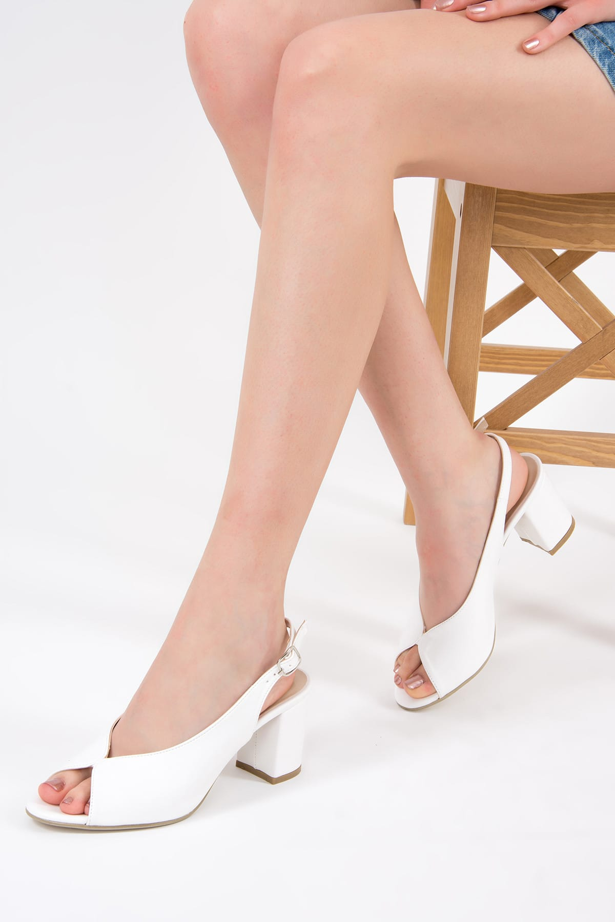 Beyaz Kadın Topuklu Ayakkabı F643221009