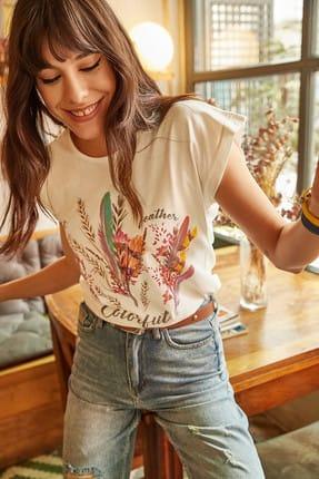 Olalook Kadın Ekru Tüylü Baskılı T-shirt TSH-19000125 0