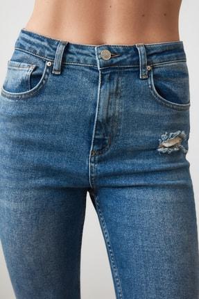 TRENDYOLMİLLA Mavi Paça Detaylı Yüksek Bel Slim Fit Jeans TWOAW21JE0067 2