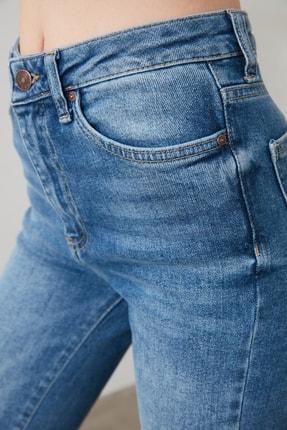TRENDYOLMİLLA Mavi Yırtık Detaylı Yüksek Bel Flare Jeans TWOAW21JE0085 3