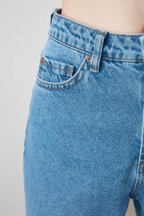TRENDYOLMİLLA Mavi Yüksek Bel Mom Jeans TWOAW20JE0129 3
