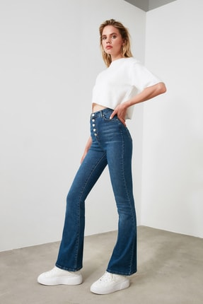 TRENDYOLMİLLA Mavi Önden Düğmeli Yüksek Bel Flare Jeans TWOSS20JE0111 1