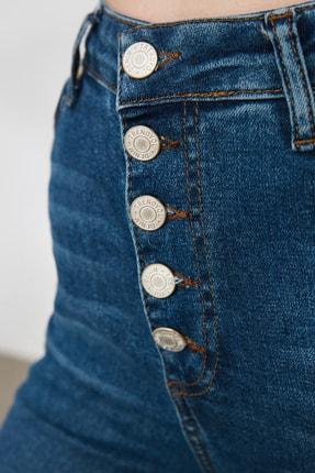 TRENDYOLMİLLA Mavi Önden Düğmeli Yüksek Bel Flare Jeans TWOSS20JE0111 3